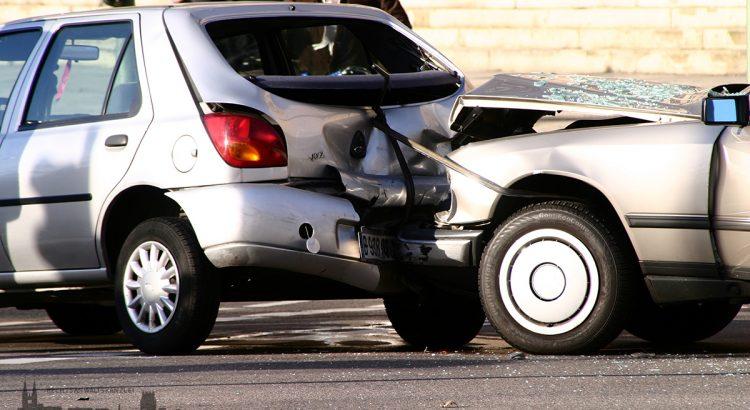 Bild eines Zusammenstoßes zweier Autos
