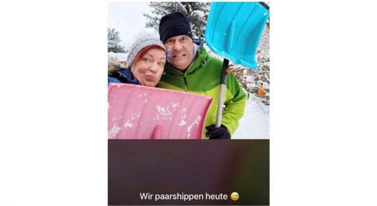 """Ein Foto eines Paares mit der Bildunterschrift """"Wir paarshippen heute"""""""